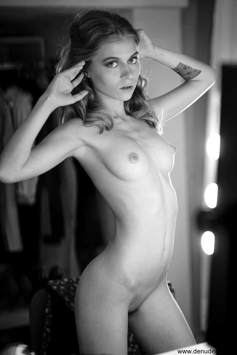 nude art photo gallery