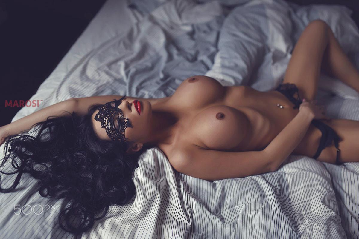 naked hungarian women