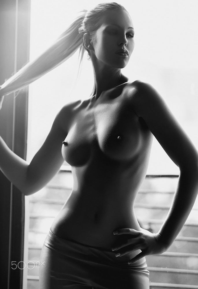Sexgirlsgalleries Black And White Nude Women