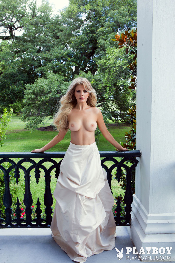Branton nackt stephanie Stephanie Branton