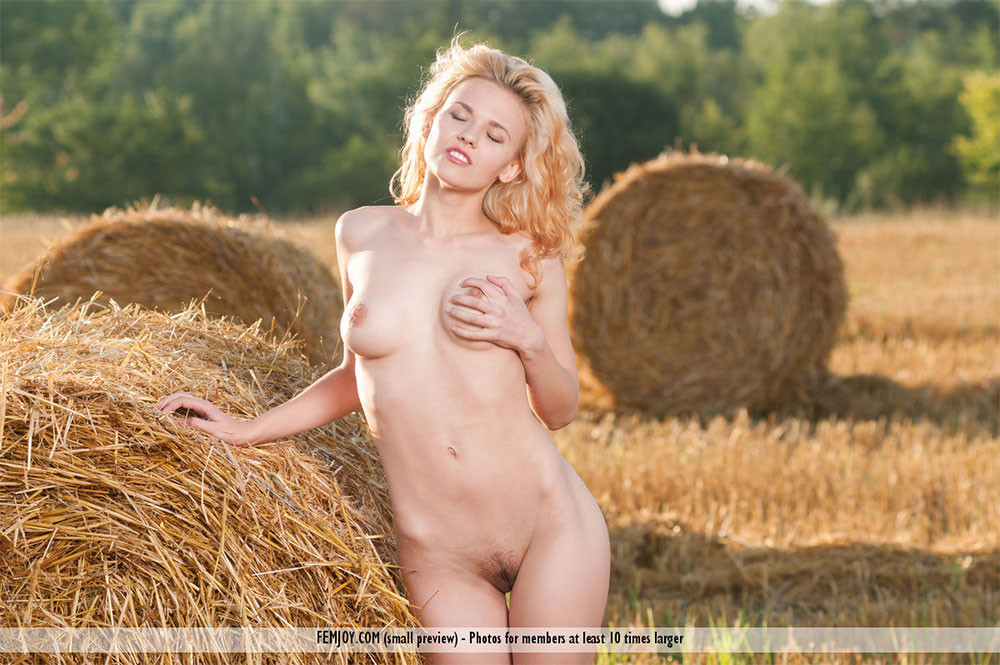 femjoy-pure-nudes-erin-k-gallery-04