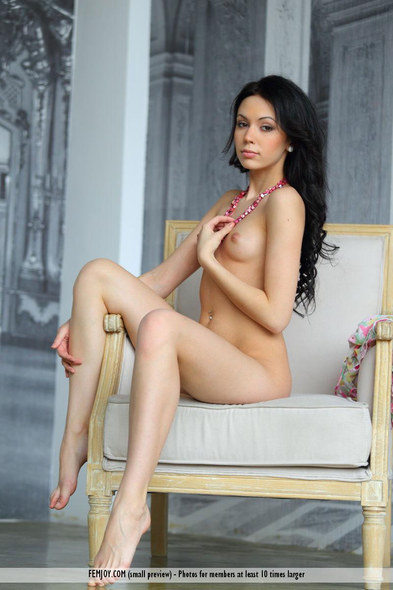 femjoy-pure-nudes-vana-l-pictures-01