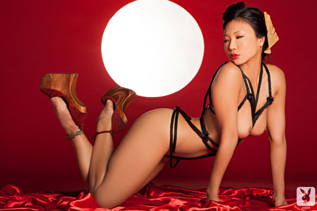Playboy Playmate Hiromi Oshima Pictures 01