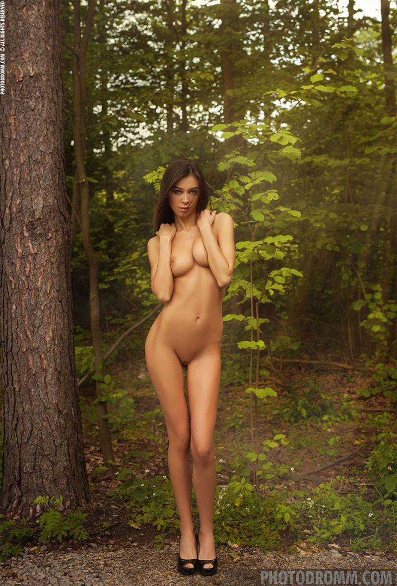 Photodromm Nude Model Jackie 03