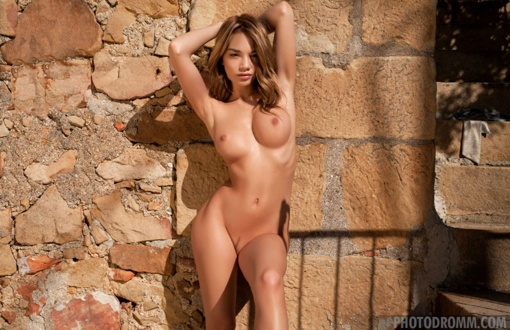 outdoors models Nude glamour