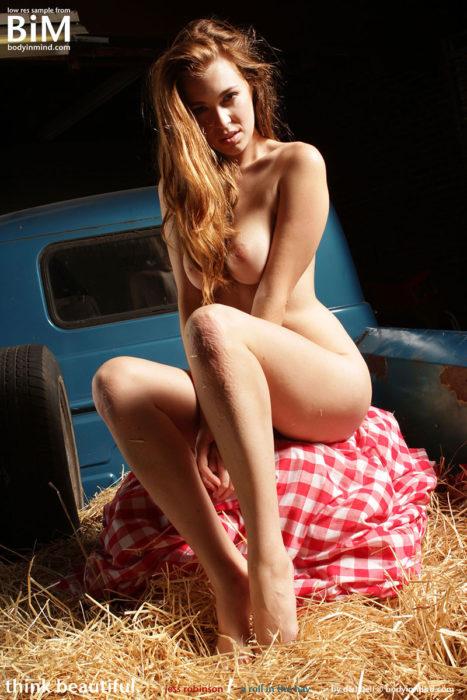 Body In Mind Nude Model Jess Robinson