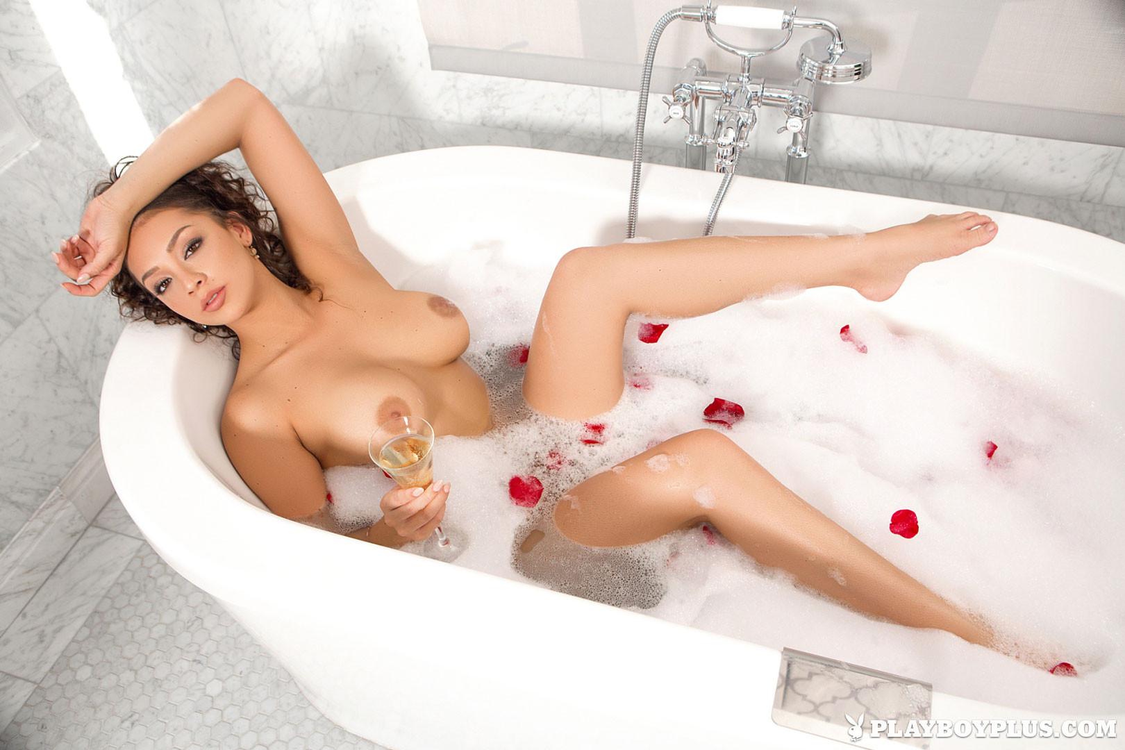 Playboy Cybergirl Kelsi Shay