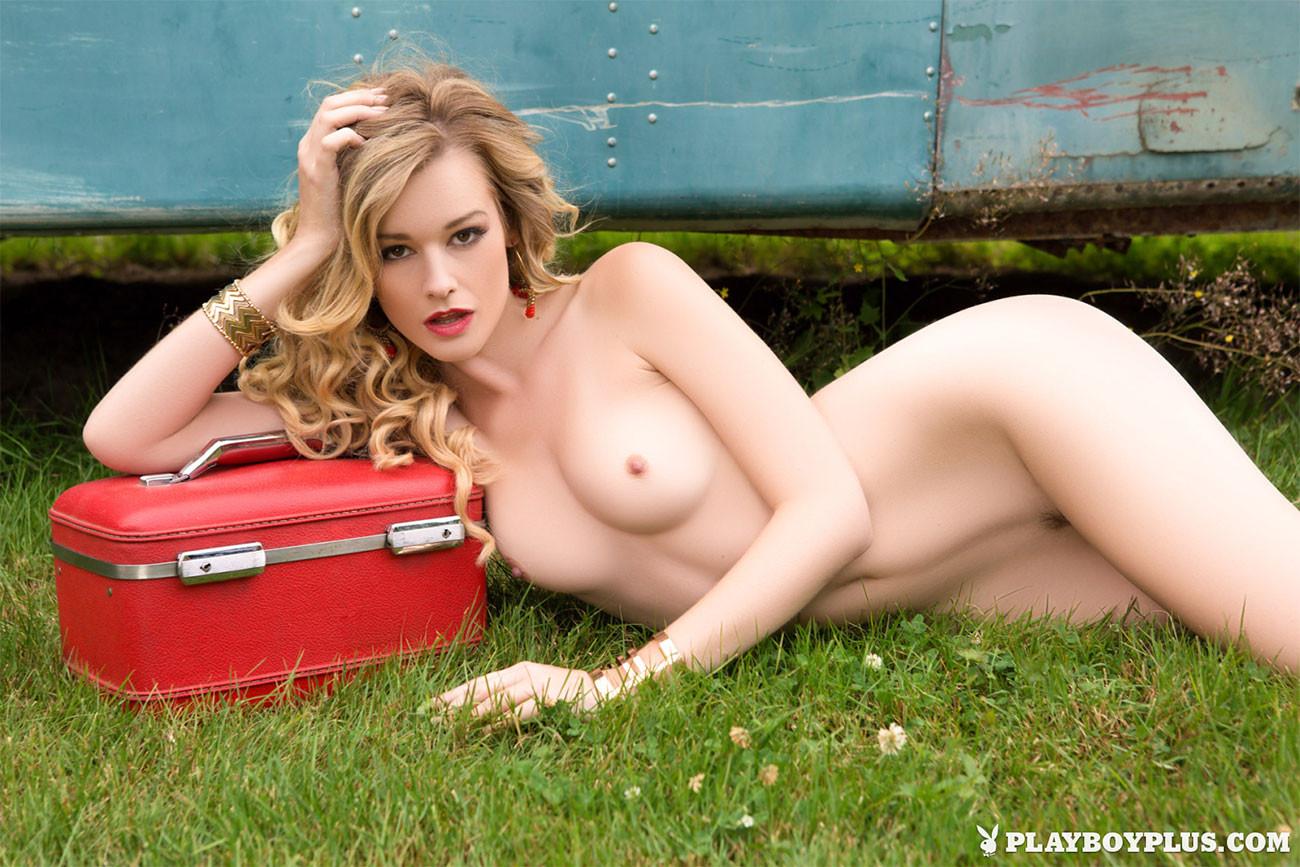 Playboy Cybergirl Olivia Preston Nude Pictures