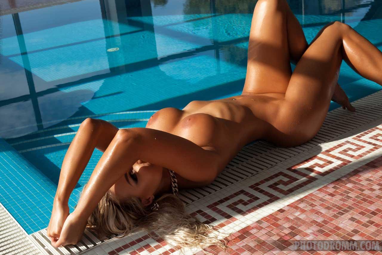 Photodromm Nude Model Maria