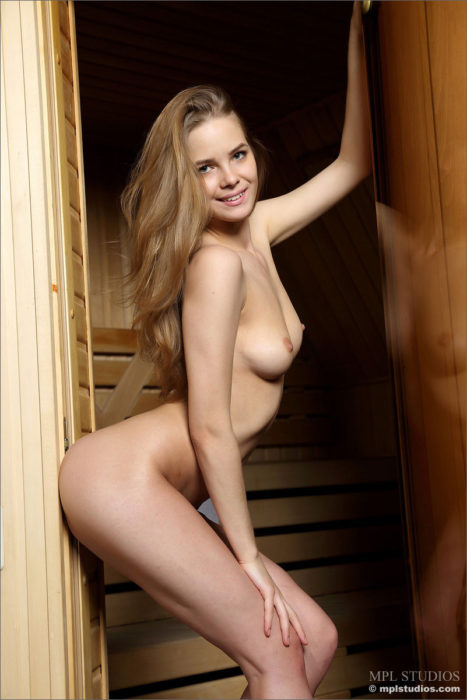 MPL Studios Nude Model Carolina