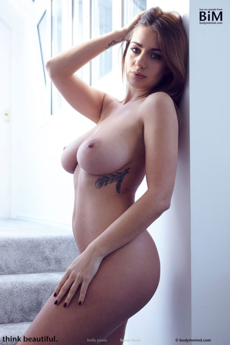 Holly Peers Nude Photos